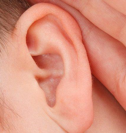 Jak oczyścić uszy bez patyczków higienicznych?