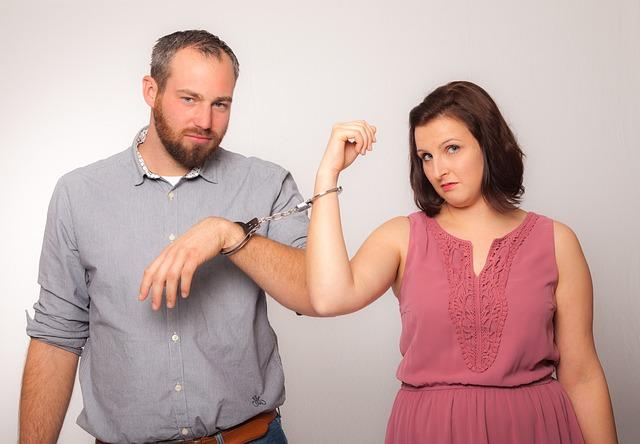 Czym różni się separacja małżeńska od rozwodu?
